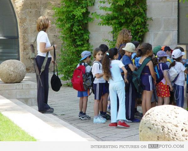 armed-teacher-in-israel-933.jpg