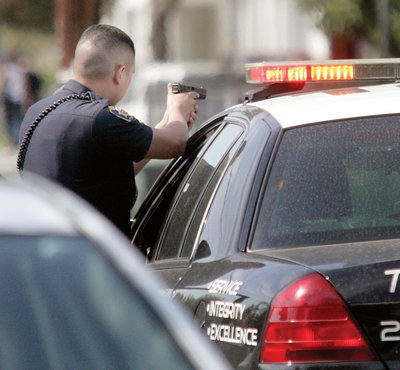 ixfu-stolen-gun-felony-stop4-10-08-10-772.jpg