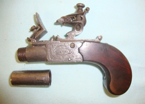 ladies-flintlock-muff-pistol-by-durs-egg-london-949.jpg