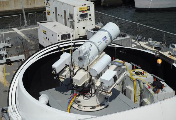 laser-weapon-system-on-dewey-1134.jpg