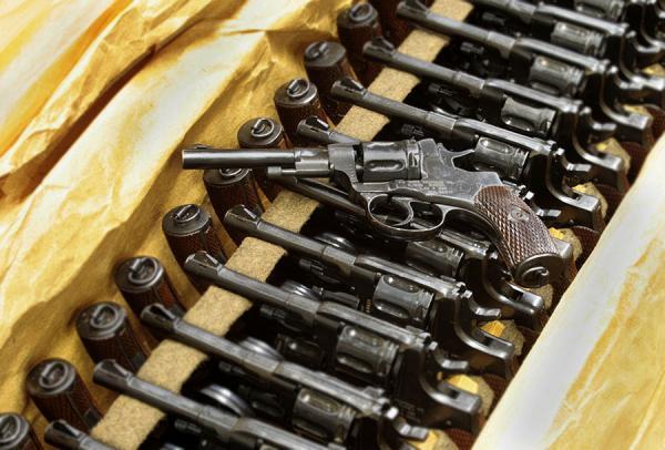 nagant-revolver-in-crate-2-940.jpg