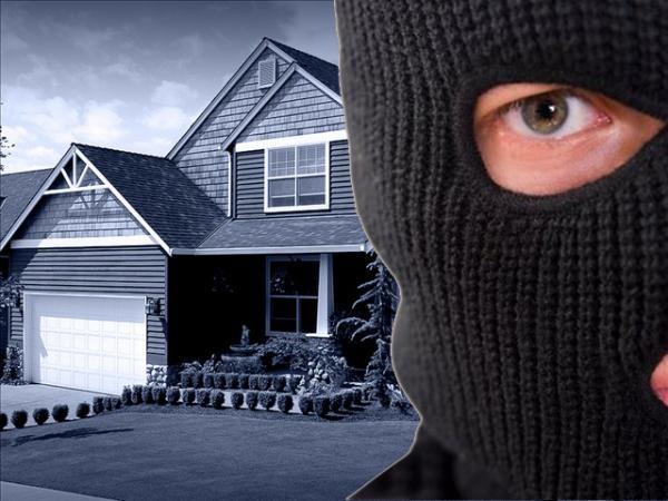 police-home-invasion-1118.jpg