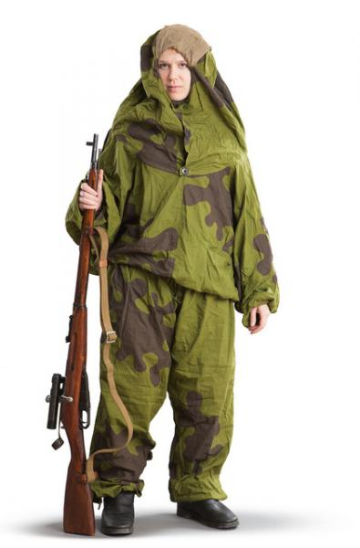 soviet-ameba-suit-often-used-by-snipers-during-ww2-mosin-9130-rifle-with-3-5x-pu-scope-1218.jpg