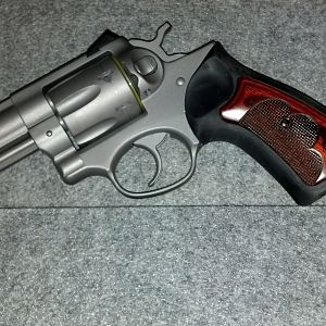Ruger GP 100 Wiley Clap